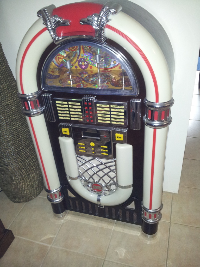 urgent sale wurlitzer replica juke box make an. Black Bedroom Furniture Sets. Home Design Ideas